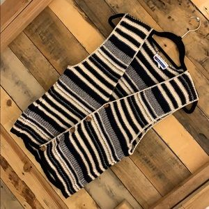 Vintage striped knitted vest